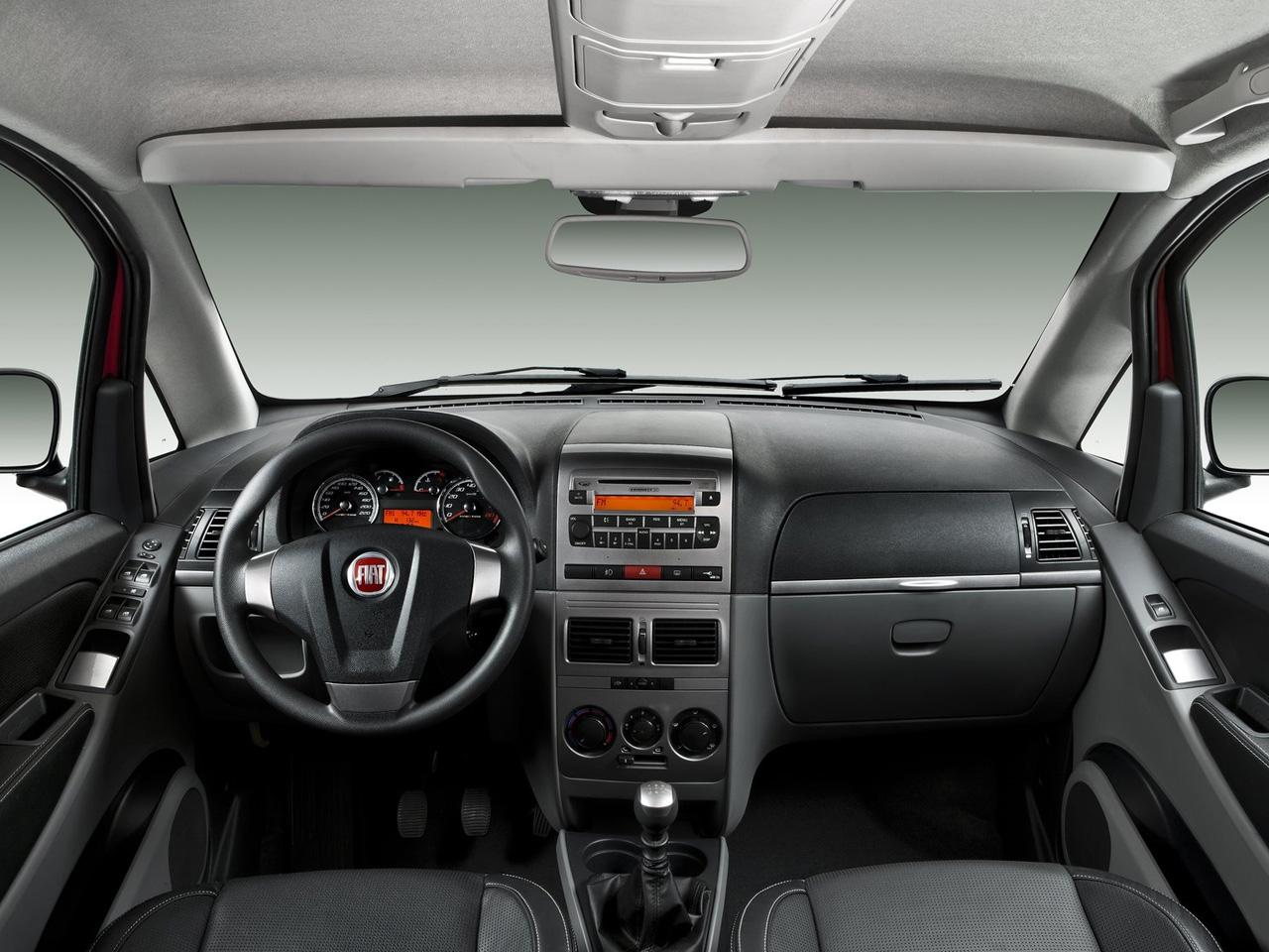 FIAT IDEA interior