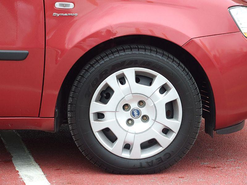 FIAT IDEA red