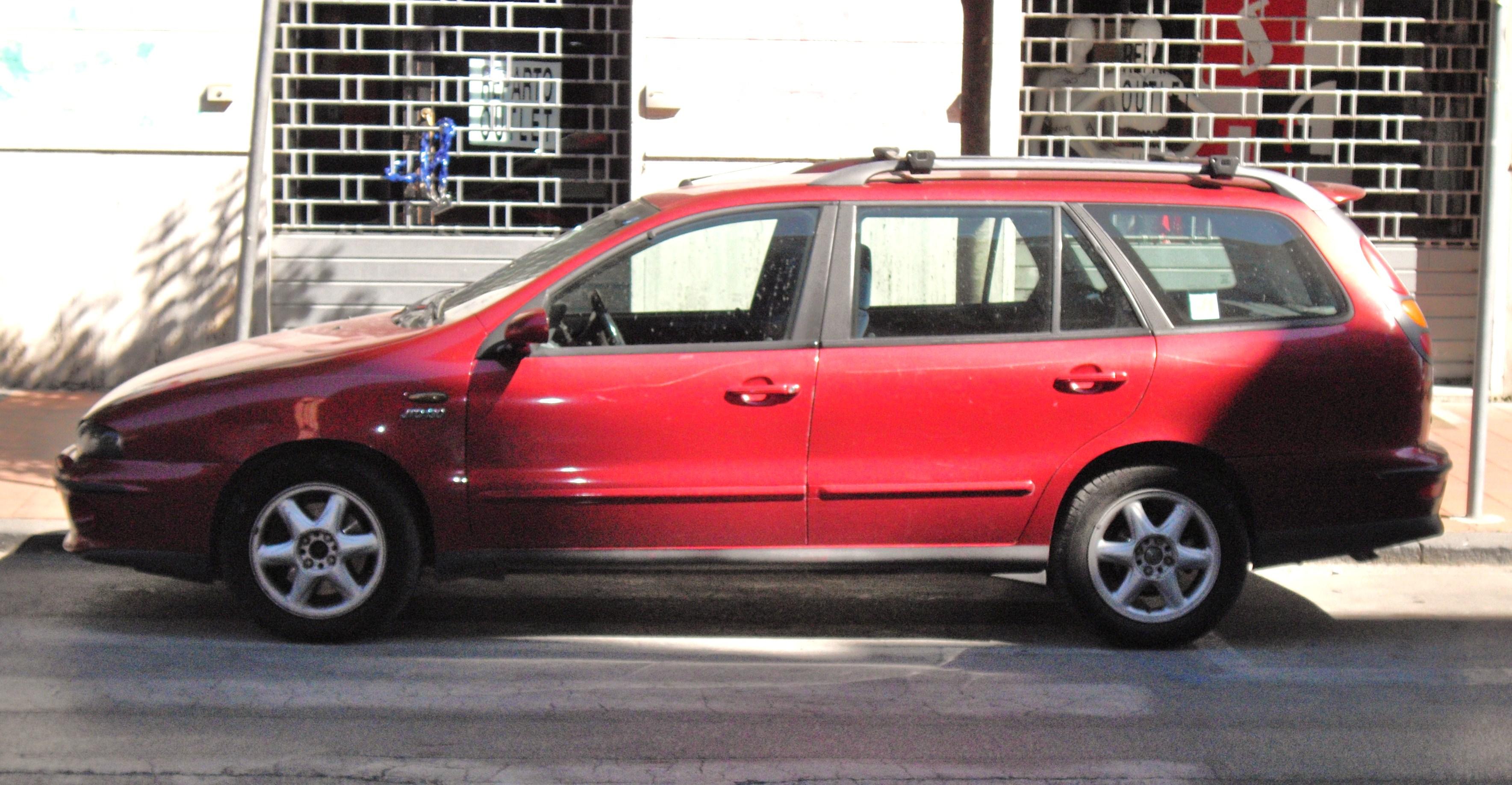 FIAT MAREA 100 red