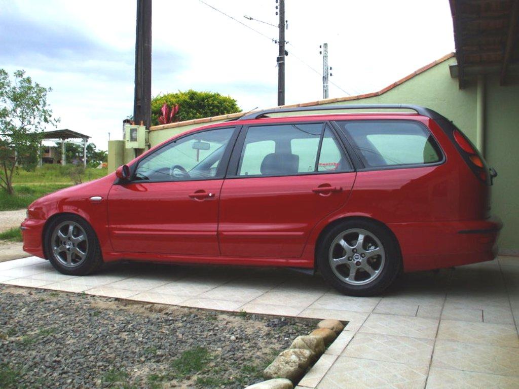 FIAT MAREA red