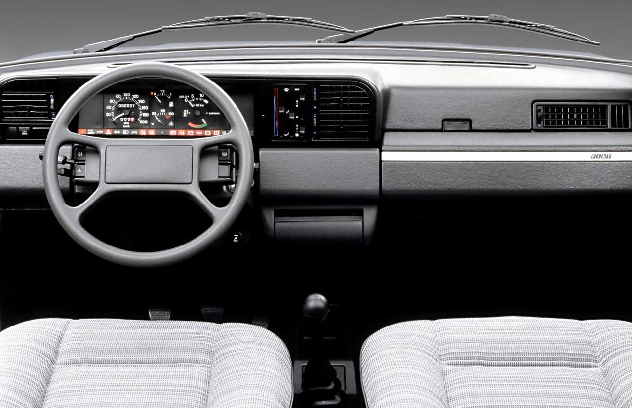 FIAT REGATA interior