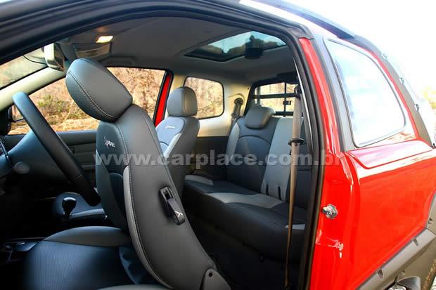 FIAT STRADA interior