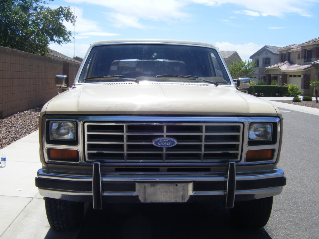 FORD BRONCO brown