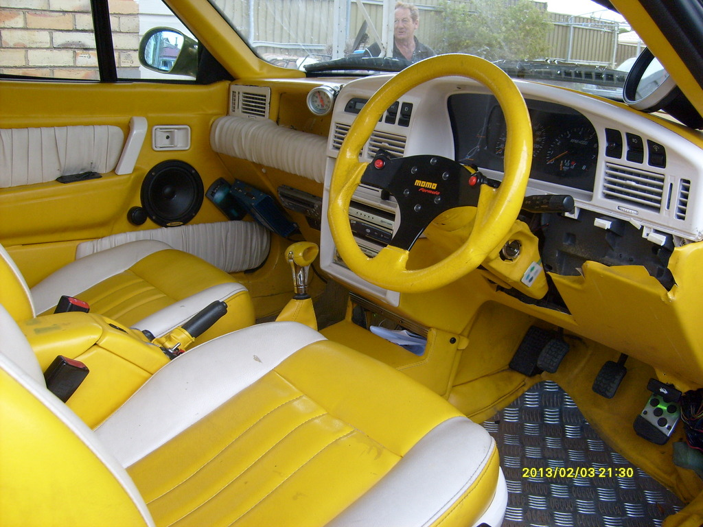FORD CAPRI 1 interior