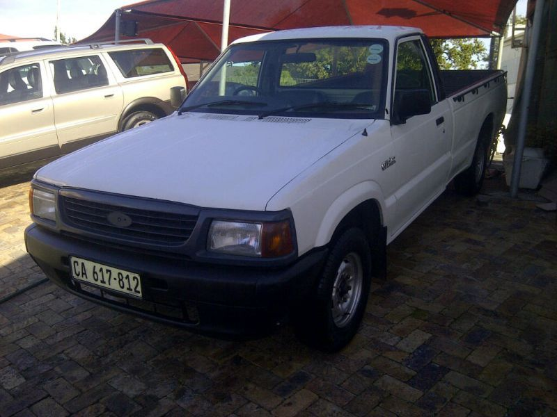 FORD COURIER 1.8 engine