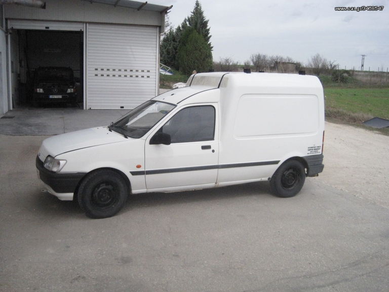 FORD COURIER 1.8 silver