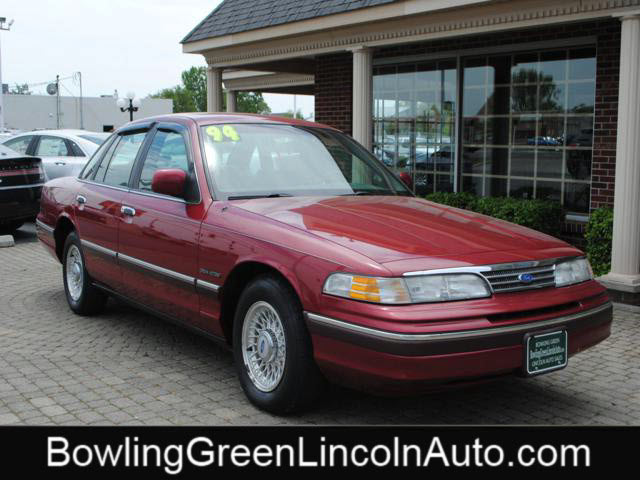 FORD CROWN VICTORIA green