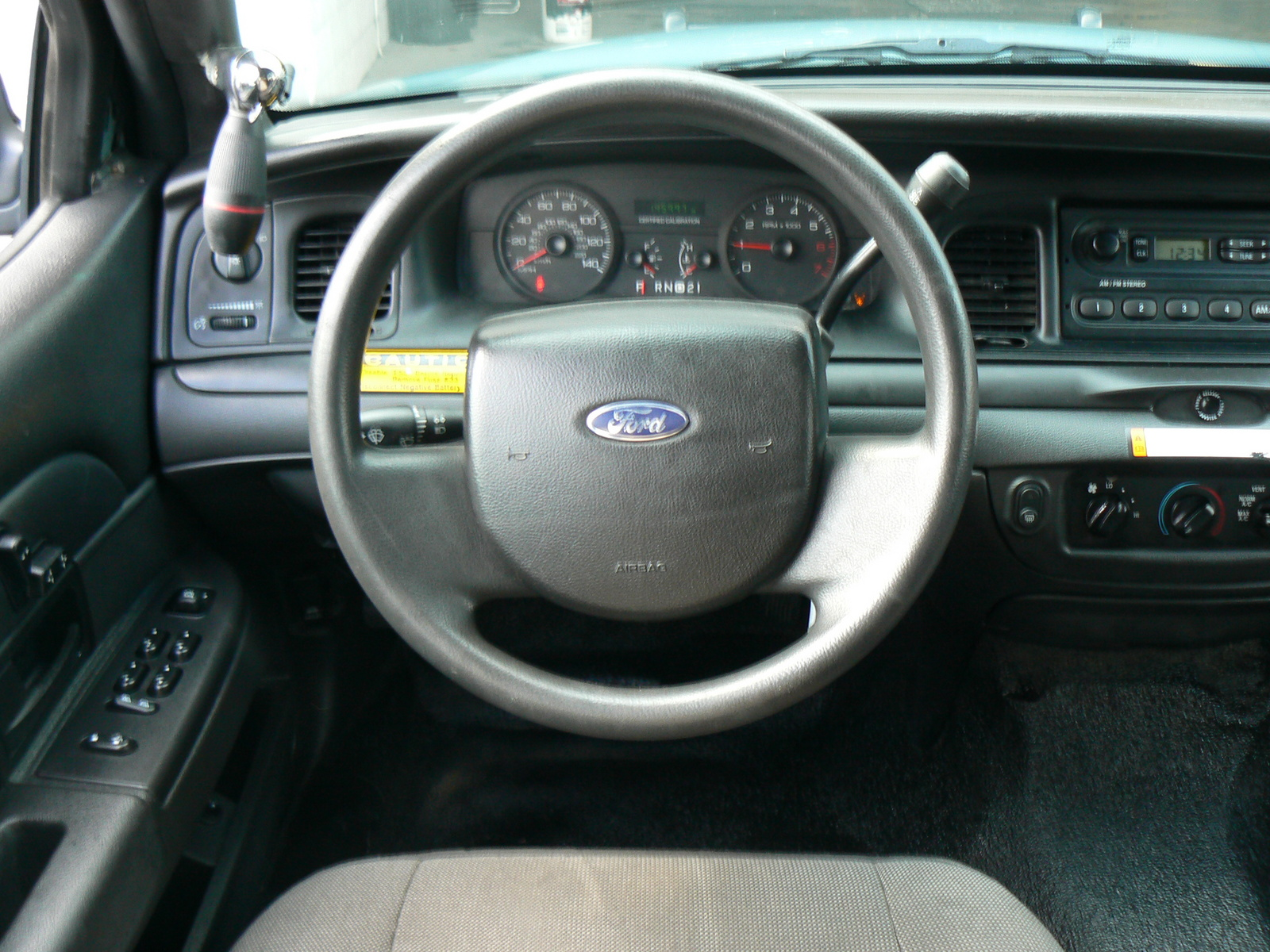 FORD CROWN VICTORIA interior