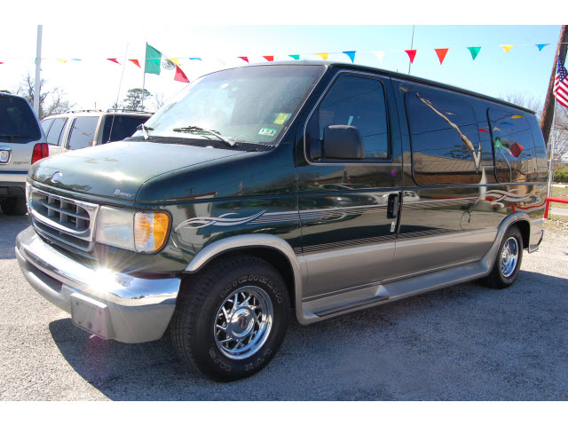 FORD E-150 VAN green