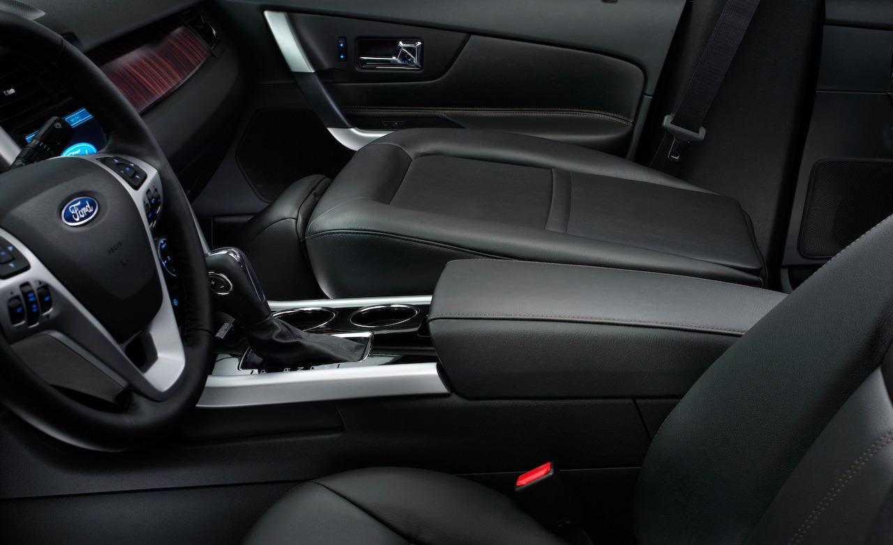 FORD EDGE LIMITED interior