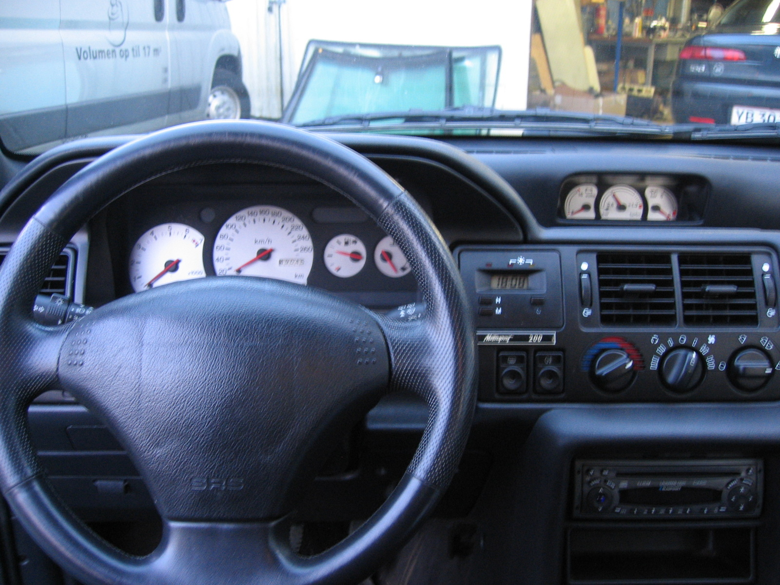 FORD ESCORT interior
