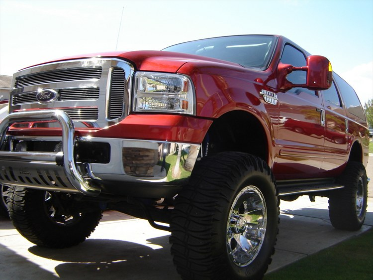 FORD EXCURSION red