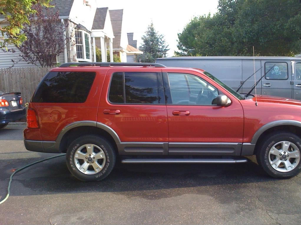 FORD EXPLORER 4.0 red
