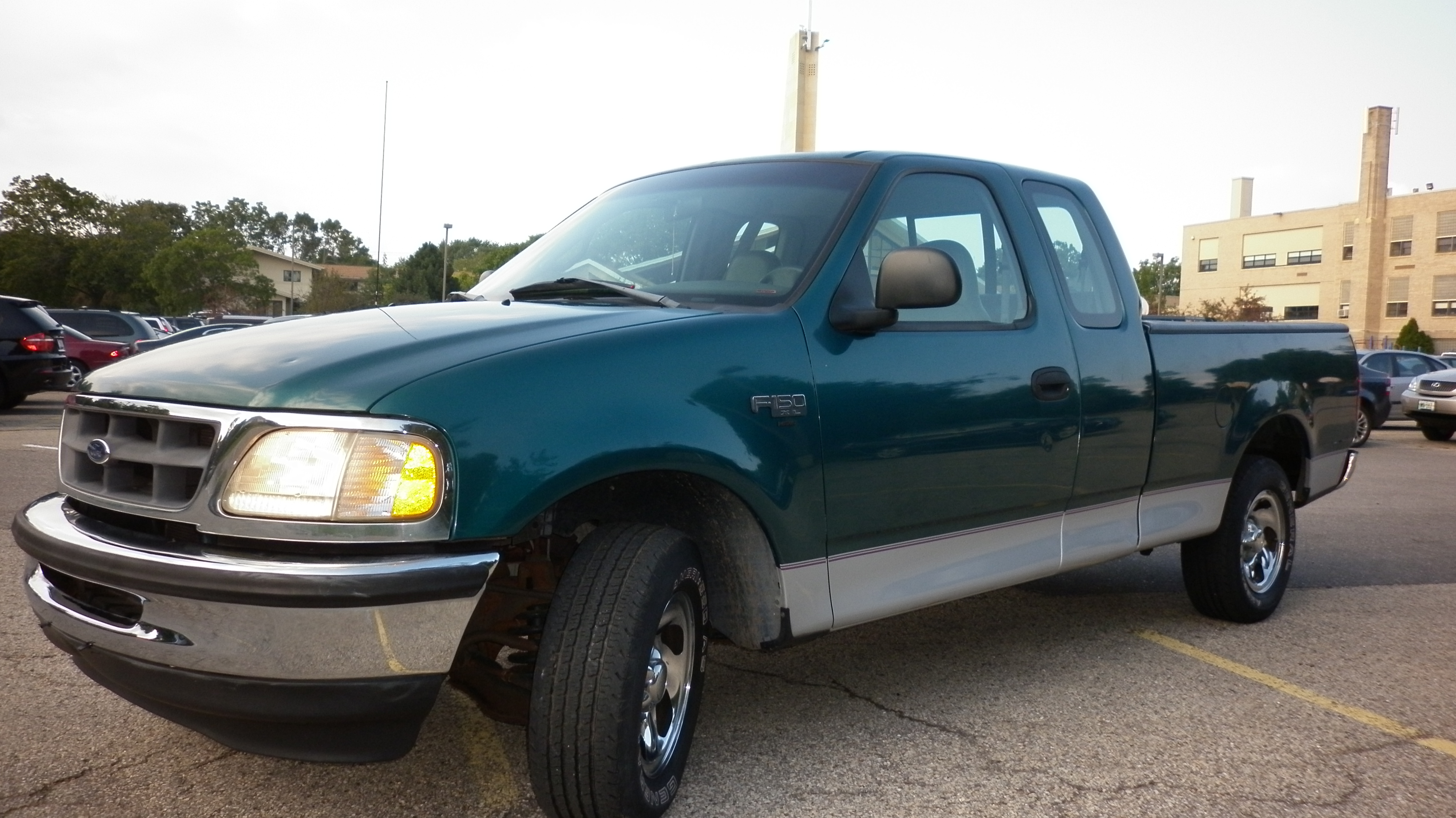 FORD F150 green