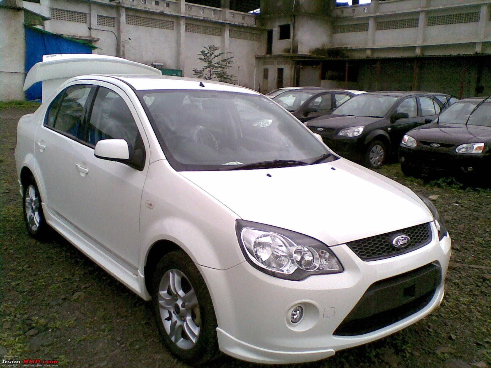 FORD FIESTA white