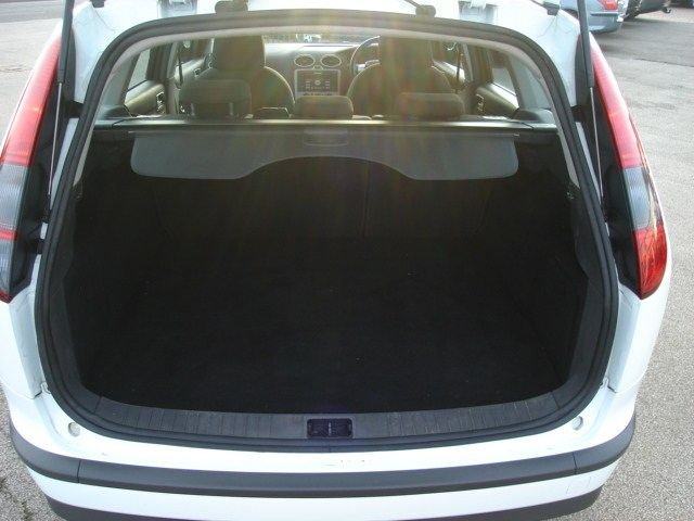 FORD FOCUS 1.4 silver