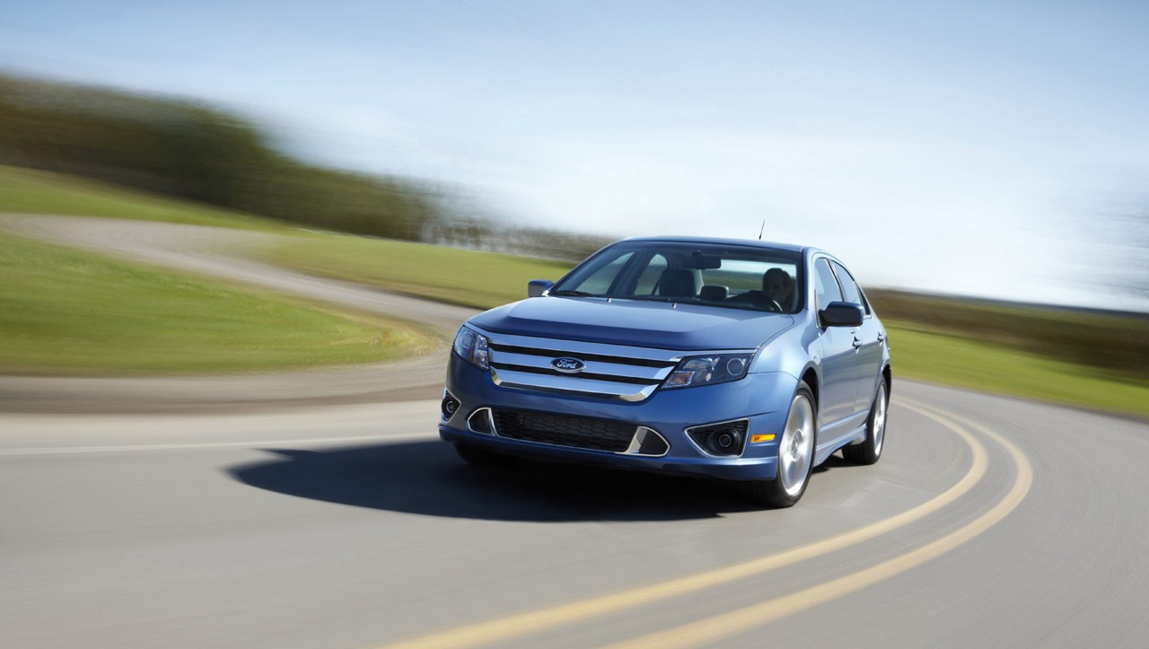 FORD FUSION blue