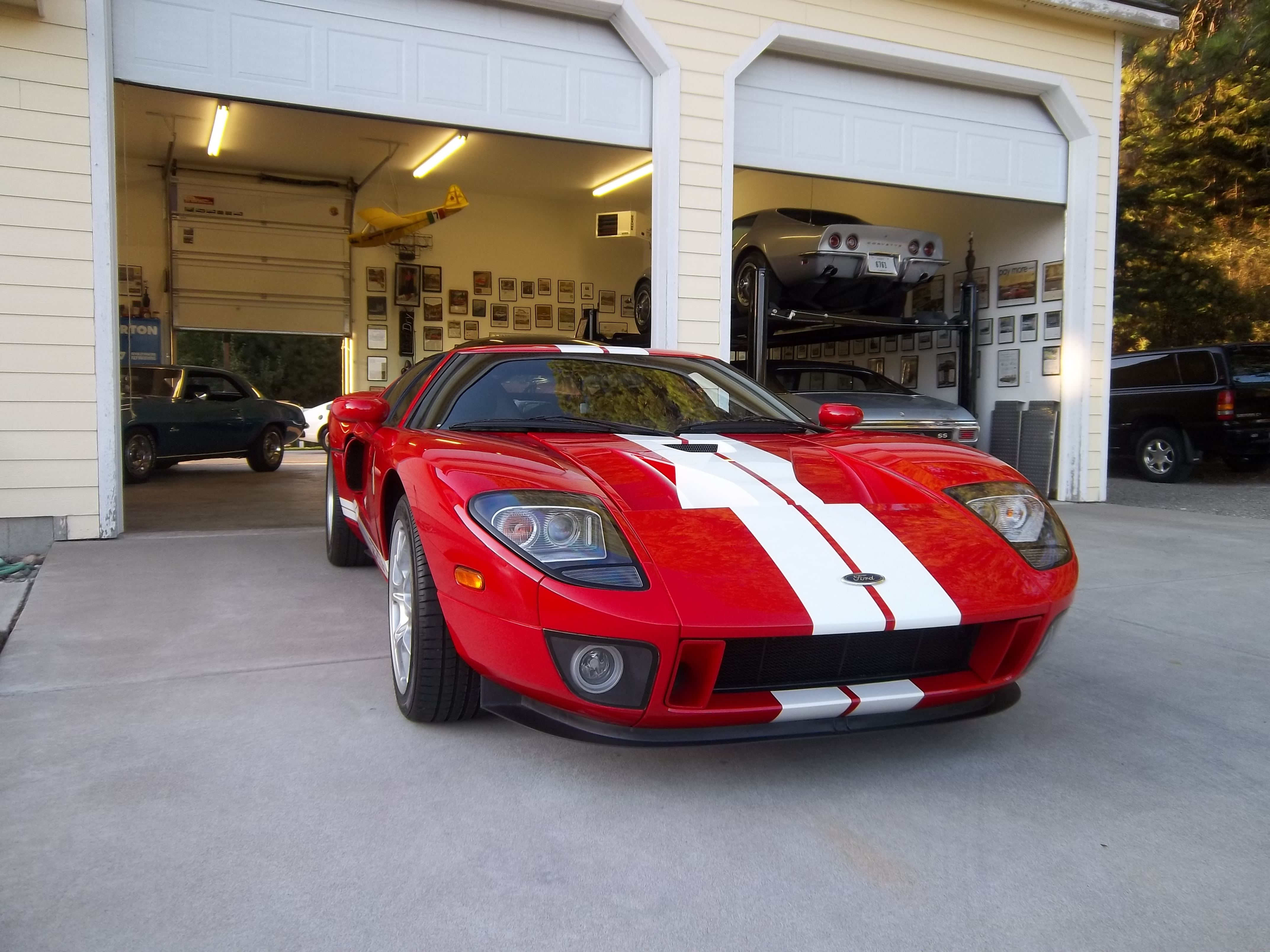 FORD GT 5.4 red