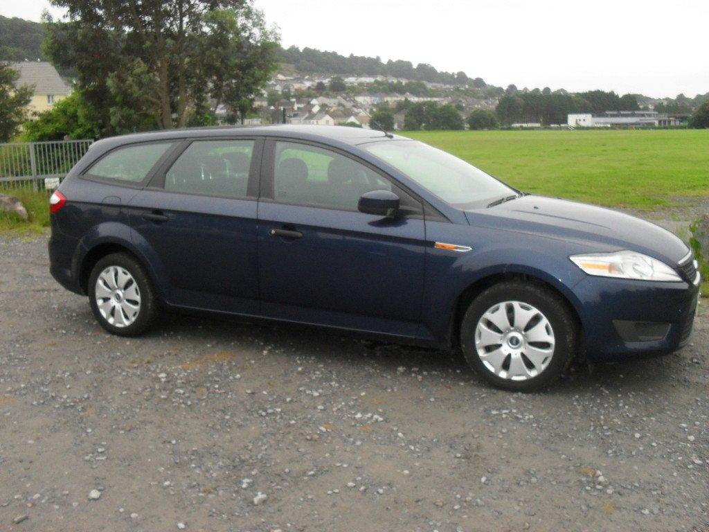 FORD MONDEO 1.8 ESTATE blue