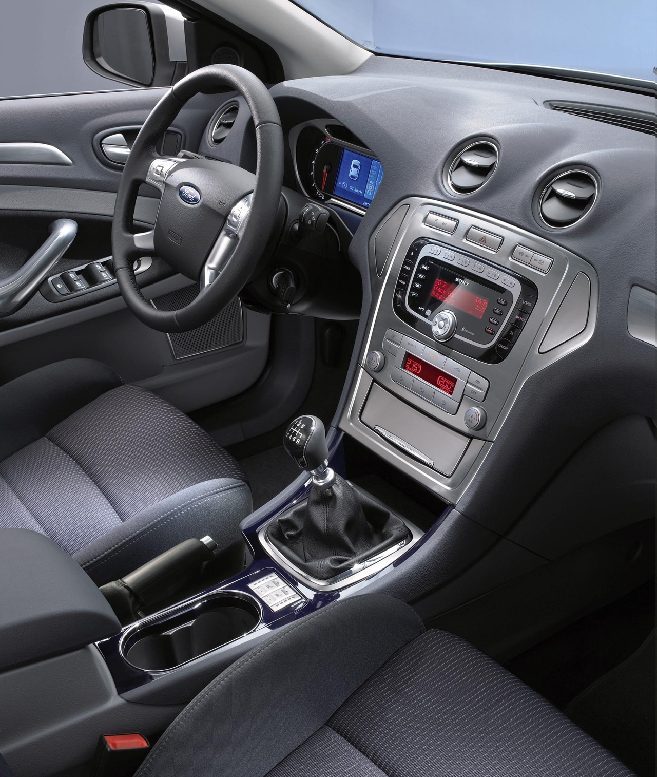 Ford mondeo review and photos - Ford mondeo interior ...