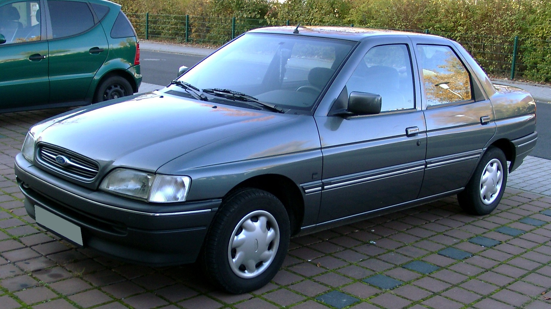 FORD ORION brown