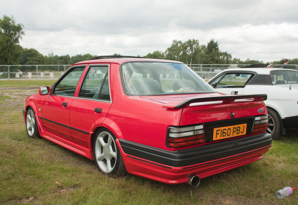FORD ORION red