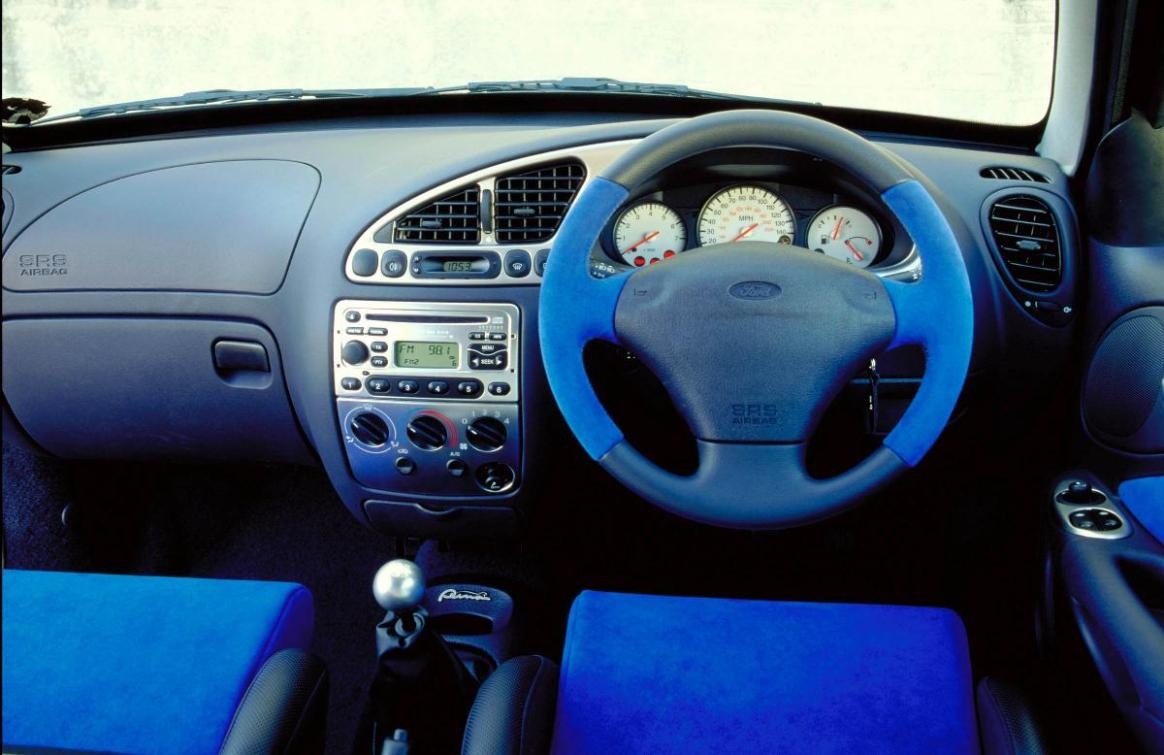 FORD PUMA 1.4 interior