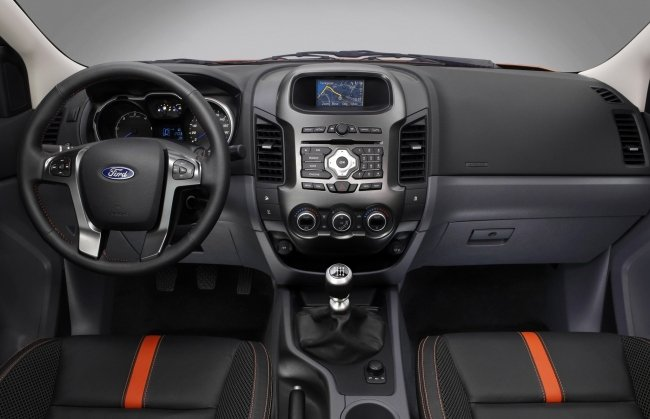 FORD RANGER 2.2 interior