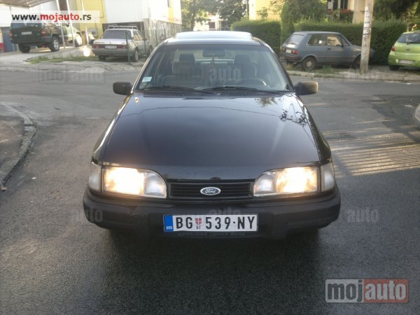 FORD SIERRA 1.3 red