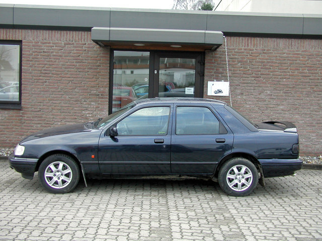FORD SIERRA black