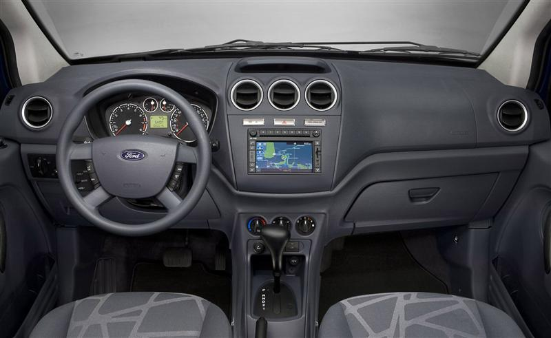FORD TRANSIT CONNECT interior