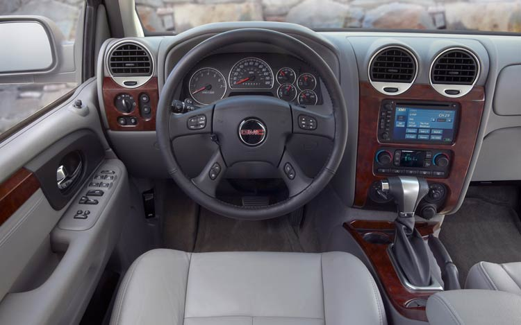 GMC ENVOY interior