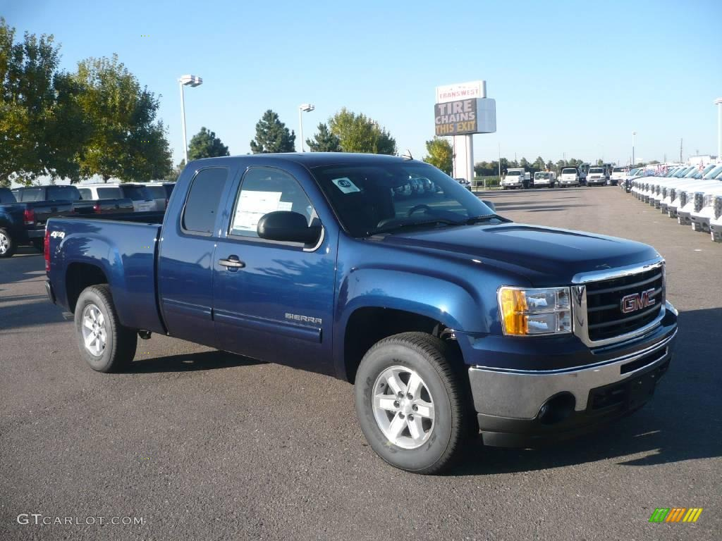 GMC SIERRA blue