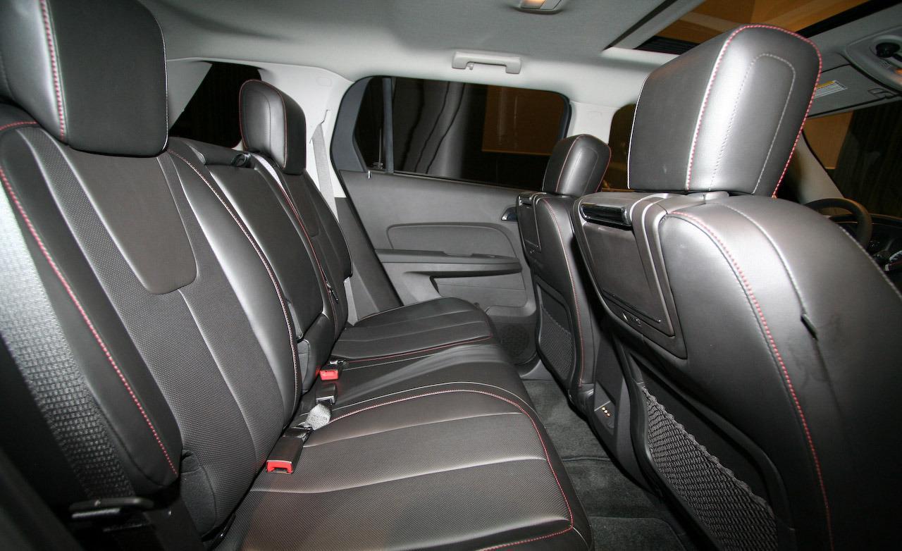 GMC TERRAIN interior