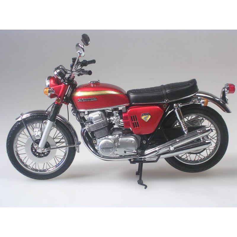 HONDA 750 red