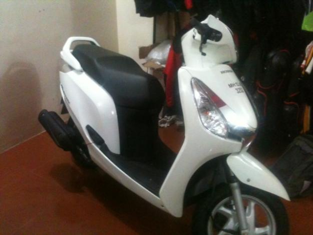 HONDA AVIATOR white