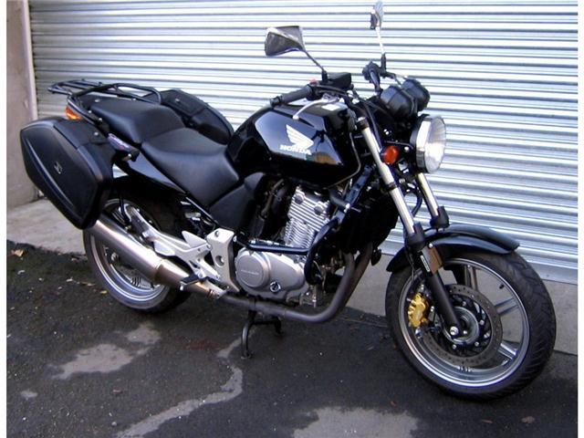 HONDA CBF 500 red