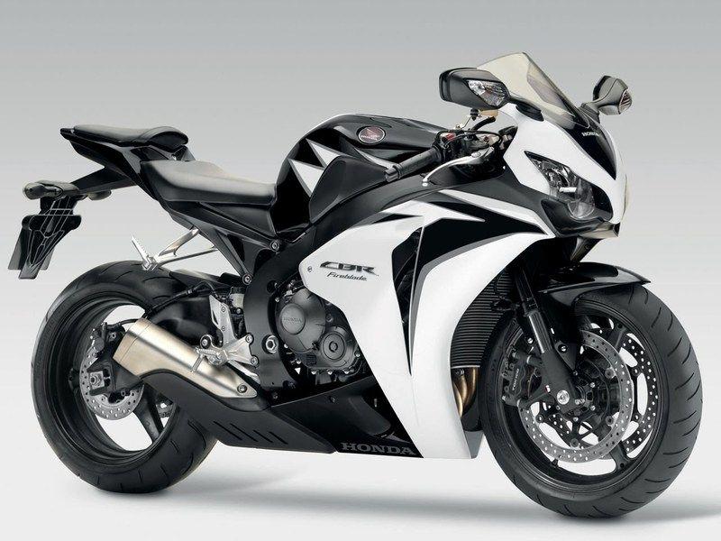 HONDA CBR 1000 black