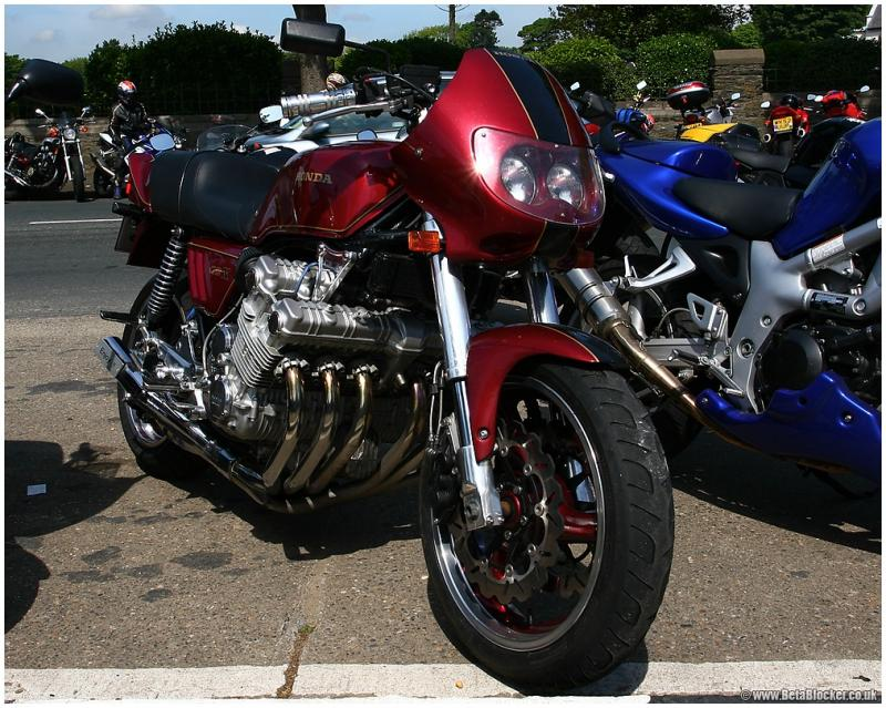 HONDA CBX red