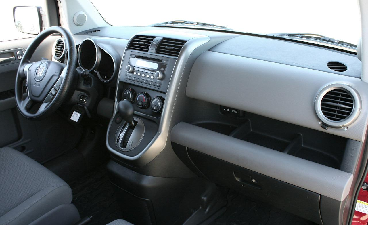 HONDA ELEMENT AWD interior