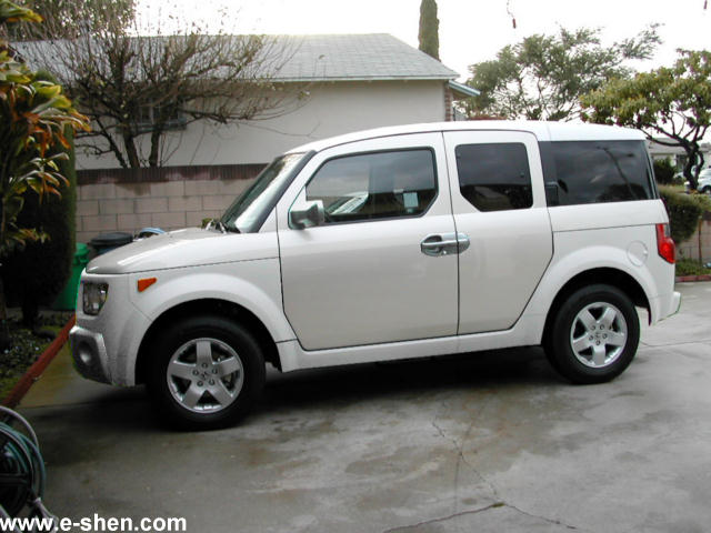 HONDA ELEMENT white