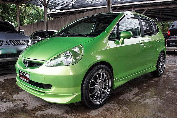 HONDA FIT green