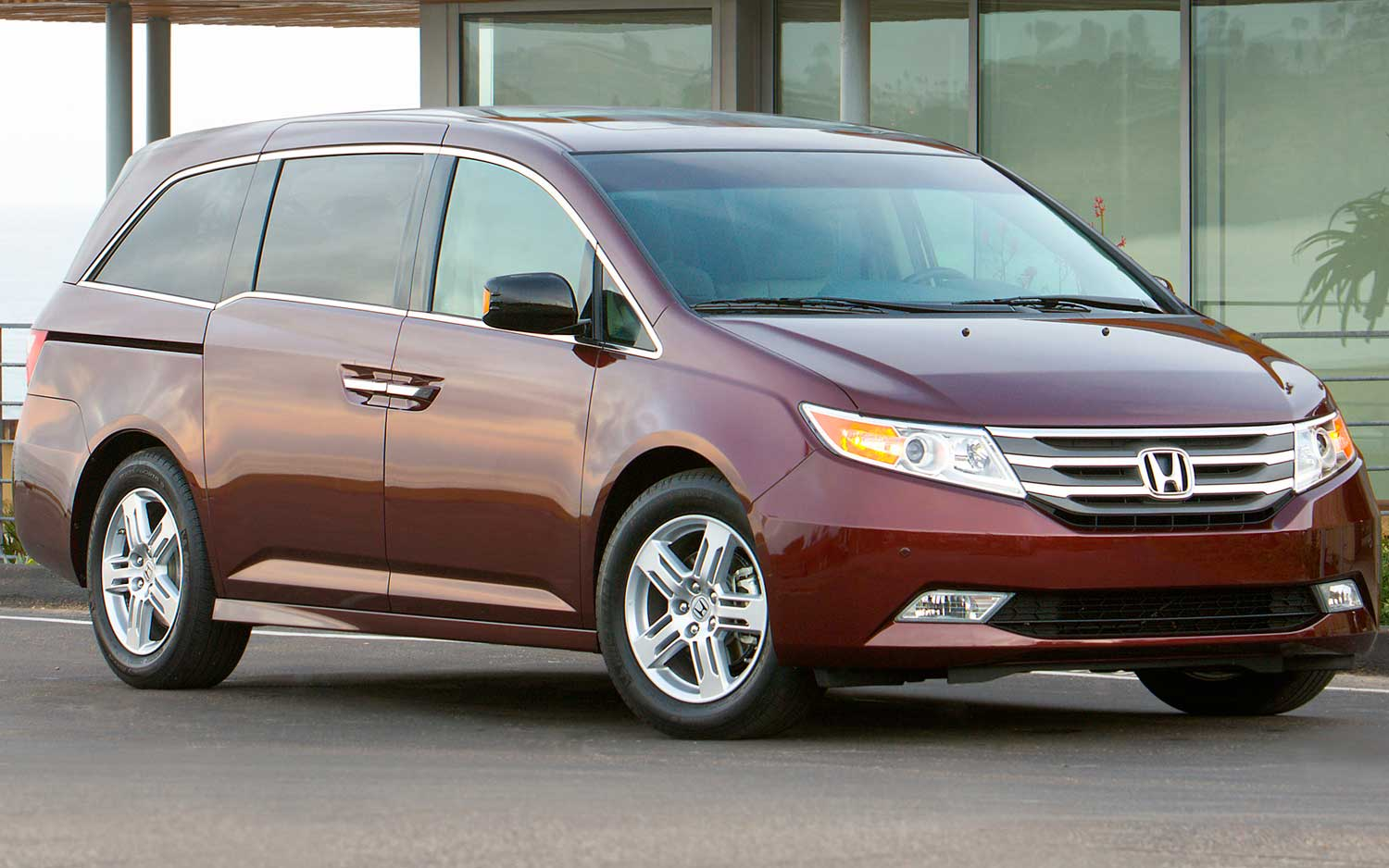 honda odyssey review and photos