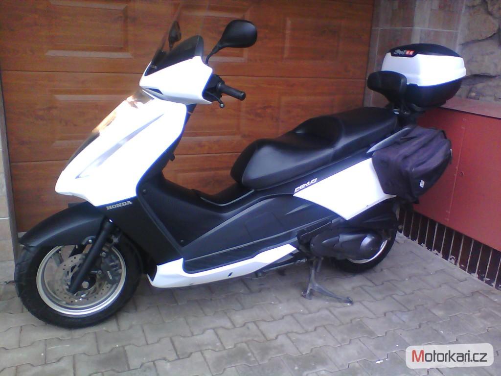 HONDA PANTHEON 125 black