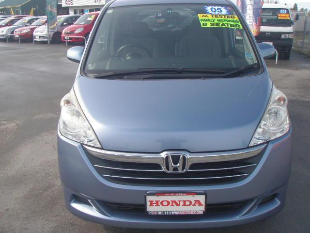HONDA STEPWAGON blue