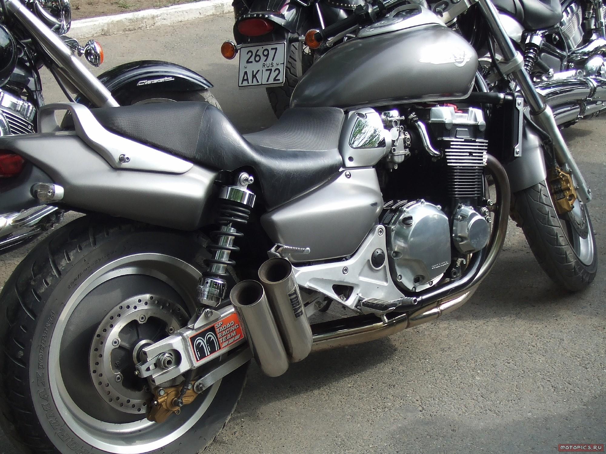 HONDA X4 black