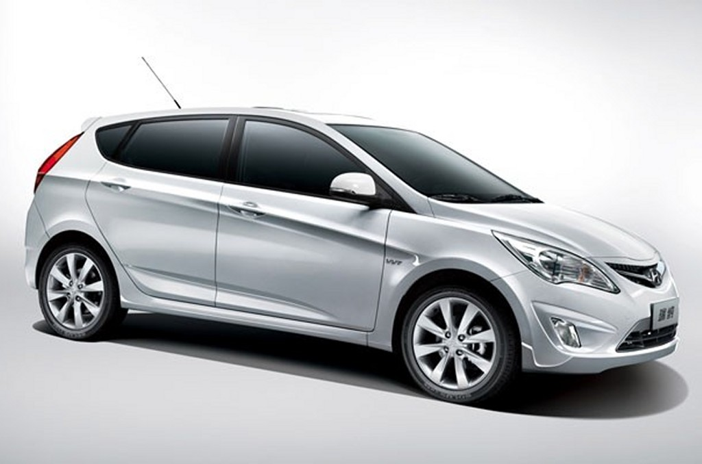 HYUNDAI ACCENT - Review and photos