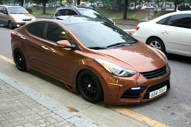 Hyundai Elantra Review And Photos