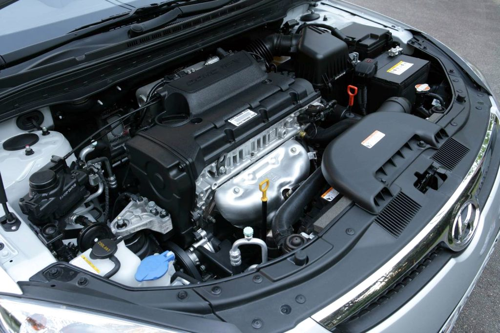 HYUNDAI I30 engine