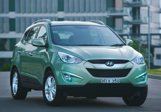 HYUNDAI IX35 green